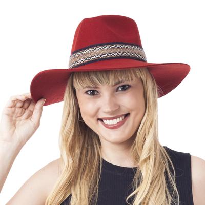 Peruvian Alpaca and Wool Blend Felt Hat in Crimson