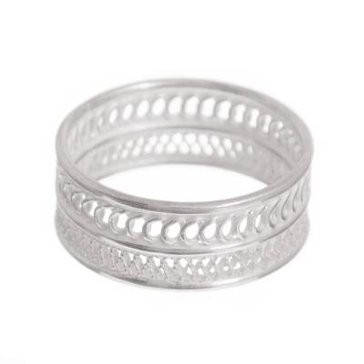 Sterling silver filigree band ring, 'Attractive Form' - Patterned Sterling Silver Filigree Band Ring from Peru