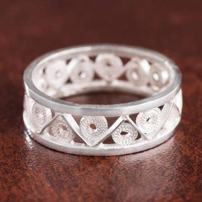 Sterling silver filigree band ring, 'Glistening Zigzag' - Zigzag Sterling Silver Filigree Band Ring from Peru