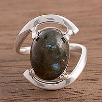 Labradorite cocktail ring, 'Aurora Glow' - Oval Labradorite Cocktail Ring Crafted in Peru