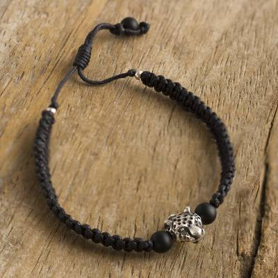 Silver and onyx macrame pendant bracelet, Symbol of Courage