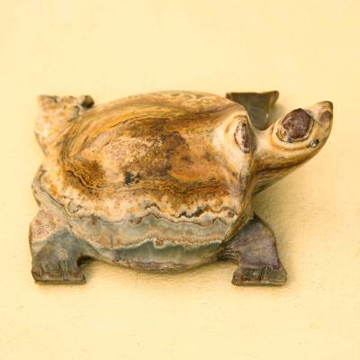 Onyx sculpture, Turtle Luck Russet