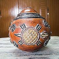 Calabash box, 'Kingdom of Animals'