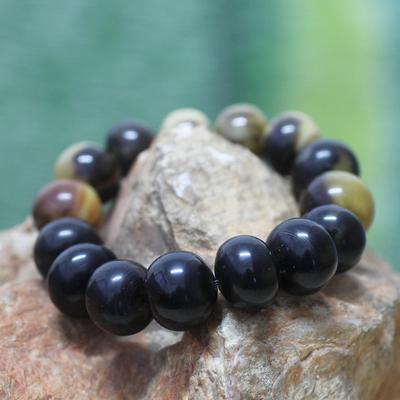 Men's bull horn bracelet, 'Ada King' - Men's Horn Beaded Bracelet