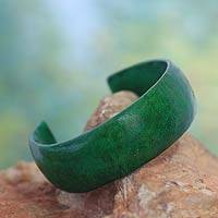 Leather cuff bracelet, 'Annula in Green' - Handcrafted Modern Leather Cuff Bracelet