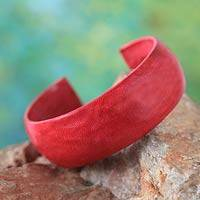 Leather cuff bracelet, 'Annula in Red' - Leather Cuff Bracelet