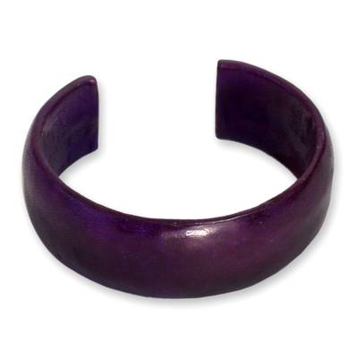 Leather cuff bracelet, 'Annula in Purple' - Artisan Crafted Leather Cuff Bracelet