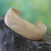 Leather cuff bracelet, 'Annula in Beige' - Hand Made Leather Cuff Bracelet