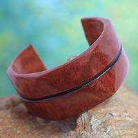 Leather cuff bracelet, 'Wend Konta in Cinnamon' - Leather cuff bracelet