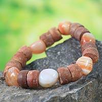 Agate and bauxite beaded bracelet, 'Oheneba'