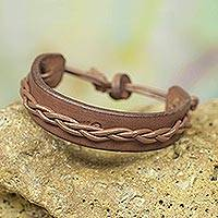 Men's leather bracelet, 'Simple Twist in Tan' - Tan Colored Leather Wristband Bracelet for Men