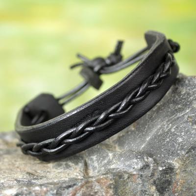 Men's leather bracelet, 'Simple Twist in Black' - Men's Black Leather Bracelet with Braided Cord Accent