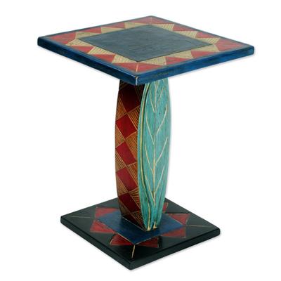 Cedar wood accent table, 'Rustic Leaf' - Hand Crafted Cedar Wood Geometric Leaf Accent Table