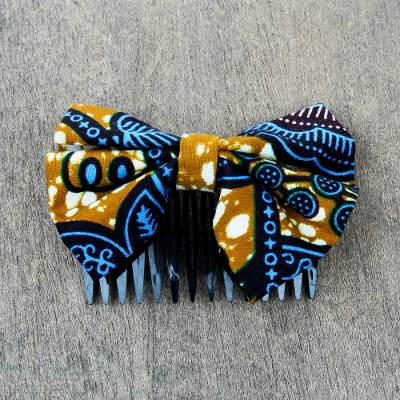 Cotton hair comb, 'Blue Foliage' - Blue and Caramel Cotton Bow and Recycled Plastic Hair Comb