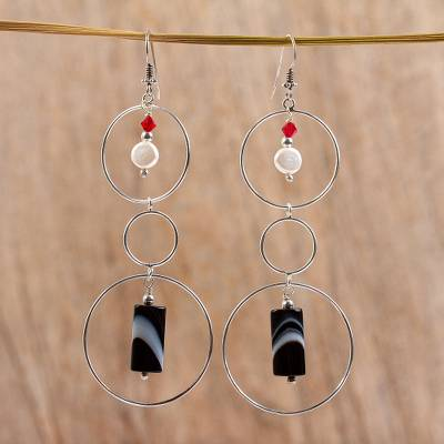 Cultured pearl and agate drop earrings, Balance