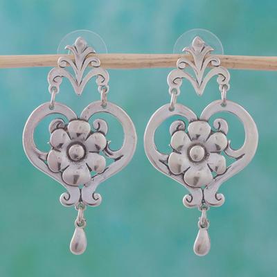 Sterling silver dangle earrings, 'Daisy Hearts' - Hand Crafted Floral Sterling Silver Dangle Earrings