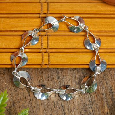 Sterling silver link bracelet, 'Shining Dewdrops' - Artisan Crafted Women's Sterling Silver Link Bracelet