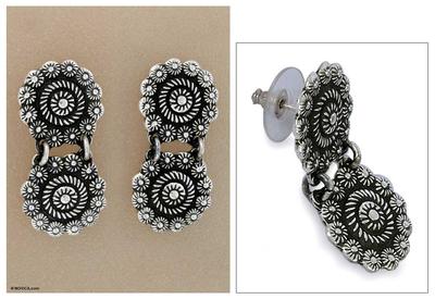 Sterling silver flower earrings, 'Spinning Daisies' - Sterling silver flower earrings