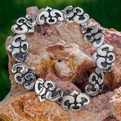 Sterling silver link bracelet, 'Dreaming Hearts' - Sterling silver link bracelet