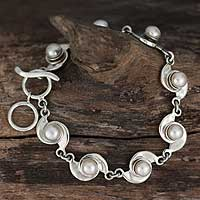 Pearl link bracelet, 'Taxco Pinwheels' - Pearl Link Bracelet with Mexico Sterling Silver 925