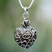 Sterling silver pendant necklace, 'Living Heart' - Unique Romantic Sterling Silver Pendant Necklace