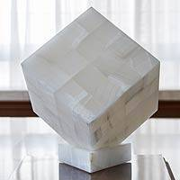 Onyx table lamp, 'Cubic Puebla' - Natural White Onyx Stone Handcrafted Table Lamp