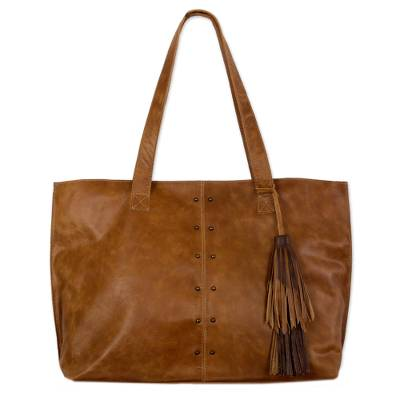 Leather shoulder bag, Capacious in Chestnut Brown