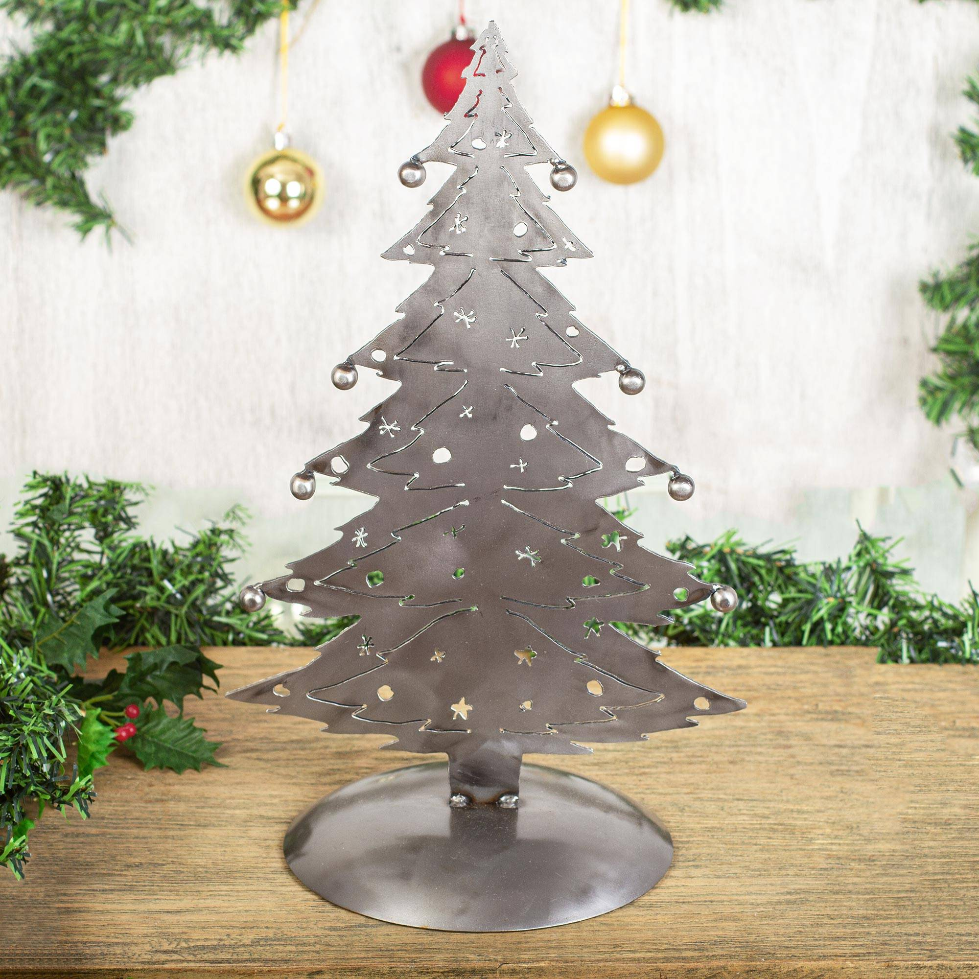Metal Christmas Tree.Recycled Metal Christmas Tree Sculpture From Mexico Christmas Tree Gleam