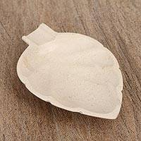 Marble catchall, 'Handy Leaf in Ivory' - Leaf-Shaped Marble Catchall in Eggshell from Mexico