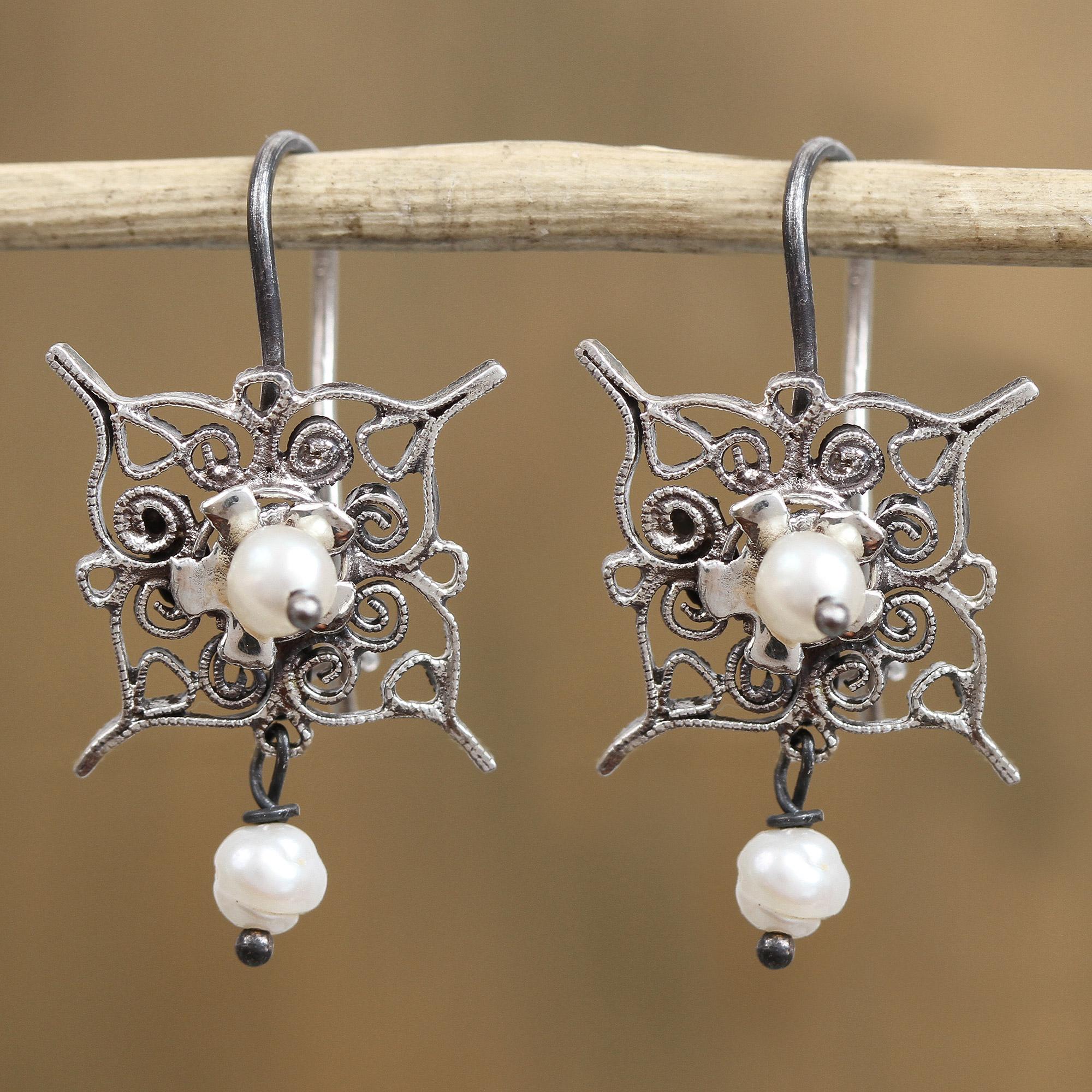 925 Sterling Silver /& Freshwater Cultured Pearl Filigree Dangle Flower Earrings