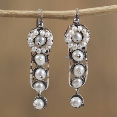 Cultured pearl dangle earrings, White Beauty