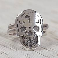 Sterling silver cocktail ring, 'Ancestors Honored' - Sterling Silver Skull with Double Band Cocktail Ring