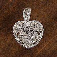 Sterling silver filigree pendant,