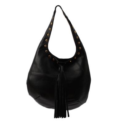 Leather shoulder bag, 'Relaxed Chic in Black' - Handcrafted Black Leather Hobo-Style Boho Chic Shoulder Bag