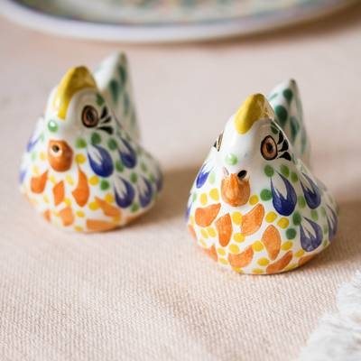 Ceramic salt and pepper shakers, 'Bright Hens' (pair) - Majolica Ceramic Chicken Salt and Pepper Shakers (Pair)