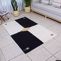 Hand loomed wool area rug, 'Corners' (4x6.5) - All Wool Colorblock Area Rug in Black and White (4x6.5)