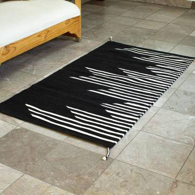 Wool area rug, 'Skyscrapers in Black' (2.5x5) - Black and Off-White Modern Wool Area Rug (2.5x5)