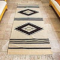 Zapotec wool runner, 'Diamond Pyramid' (3x8)