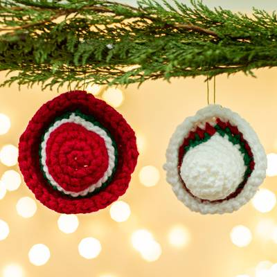 Crocheted ornaments, 'Holiday Sombreros' (pair) - Hand Crocheted Sombrero Christmas Ornaments (Pair)