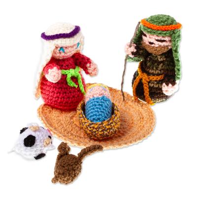 Hand Crocheted Nativity Scene (7 Pieces)