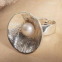 Cultured pearl cocktail ring, 'Crater' - Modern Silver and Cultured Pearl Cocktail Ring
