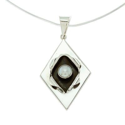 Cultured pearl pendant necklace, 'Venus' - Modern Cultured Pearl and Taxco Silver Necklace from Mexico