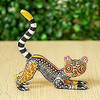 Wood alebrije sculpture, 'Wide-Eyed Lemur'