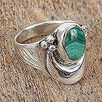 Malachite cocktail ring, 'Heart's Desire' - Sterling Silver Cocktail Malachite Ring
