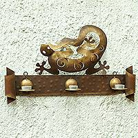 Iron candleholder, 'Happy Gecko'