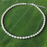 Pearl strand necklace, 'Debutante'
