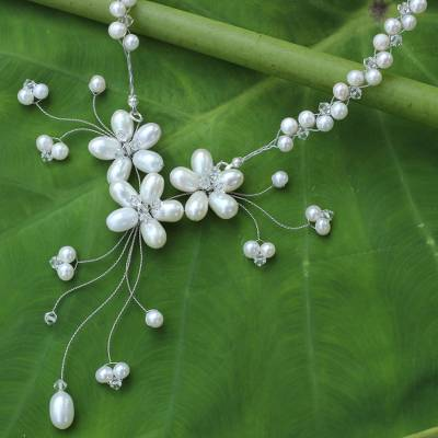 Pearl flower necklace, 'White Pearl Bouquet' - Bridal Pearl Necklace from Thailand