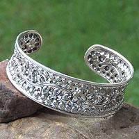 Sterling silver cuff bracelet, 'Flower of Lanna' - Handcrafted Floral Sterling Silver Cuff Bracelet