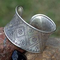 Silver cuff bracelet, 'Sunflower' - Hill Tribe 950 Silver Cuff Bracelet