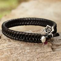 Leather and pearl floral bracelet, 'Black Rose Nest'
